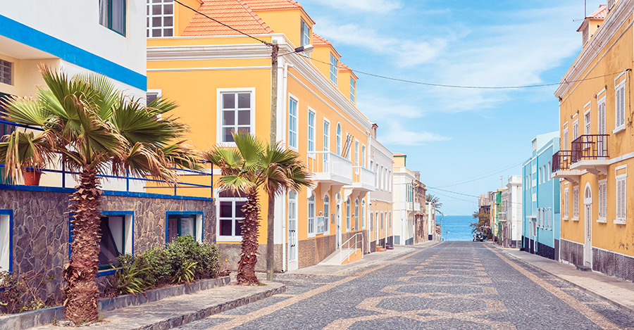those who buy a house in cape verde can obtain permanent residence